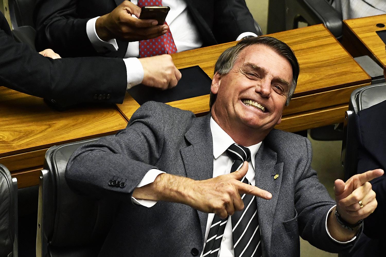 Bolsonaro: MST e MTST serão tratados a chumbo