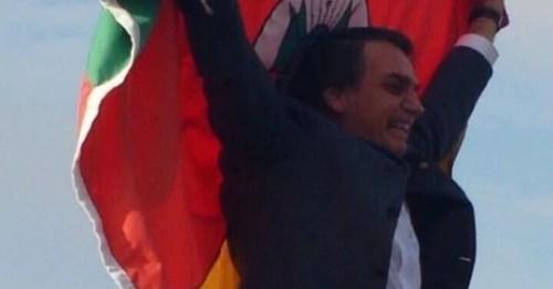 Bolsonaro bandeira RS