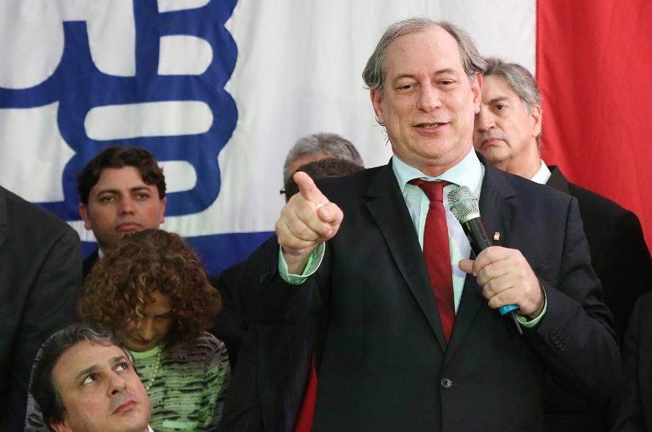 CIRO TENTA EXPLICAR PROMESSA DE ENQUADRAR MP E JUDICIÁRIO, E SOLTAR LULA