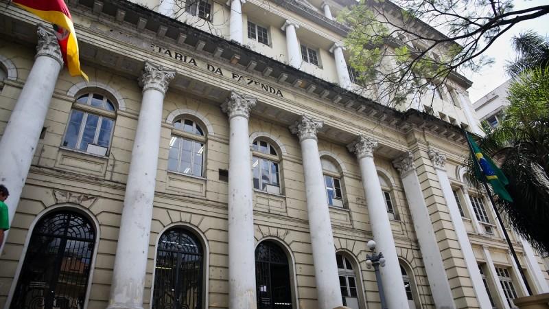 CONTAS DO GOVERNO TÊM DEFICIT DE R$ 1 BILHÃO EM JULHO
