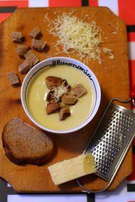 Supa crema de conopida cu branza si curry