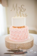 two tier wedding cake rosette - Photography by Tracie