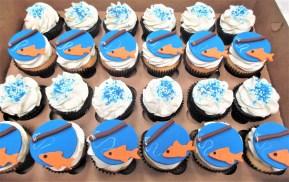 fish fishing pole cupcakes