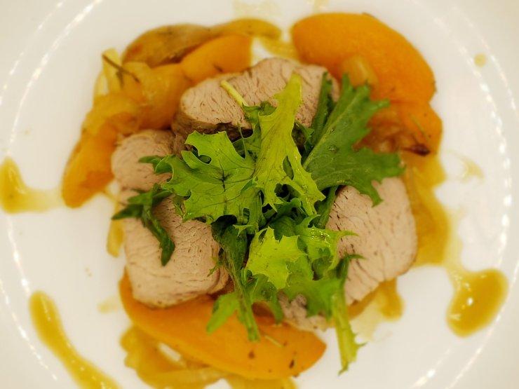 braised peach pork tenderloin