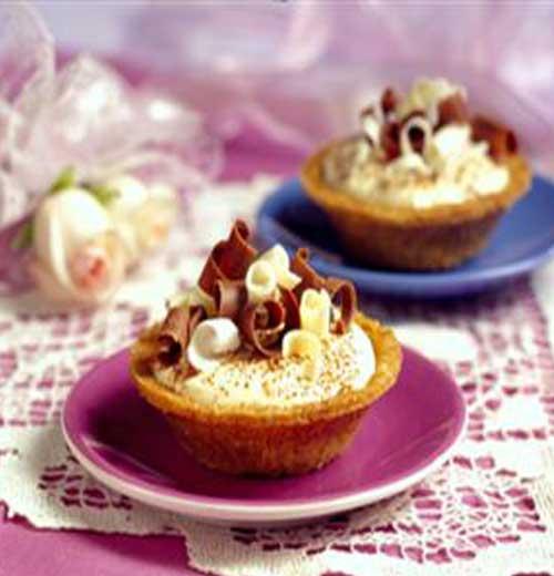 Celebrate your love for dessert these easy to make Valentine Tarts #dessert #tarts #ValentinesDay