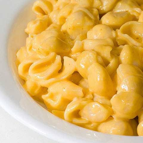 Recipe for The Extra Creamiest Cheesiest Mac n Cheese Ever - Almost as easy and fast to make as the boxed stuff. The advantage here…it's only 5 ingredients.
