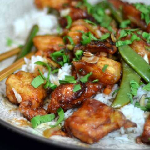 Recipe for Ginger Chicken - It's mindlessly simple and yet the mere aroma of the chicken cooking will awaken your hunger and nourish your soul.