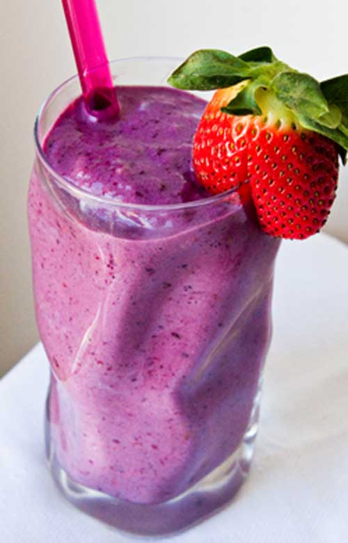 Now this is one yummy, heart-healthy smoothie! Blend this up, sip, and feel the love!