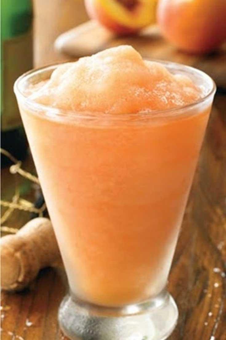 I adore frozen peach bellini\'s and thisAustralian Peach Bellini recipe is very close to my favorite restaurant\'s drink. #peach #bellini #drinks