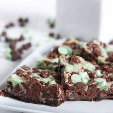 Recipe for Mint Chocolate Double Delicious Cookie Bars - Wanting a chocolate and mint dessert? This recipe has just four ingredients. There is also no stirring, mixing, or anything else to it. Sounds perfect to me!