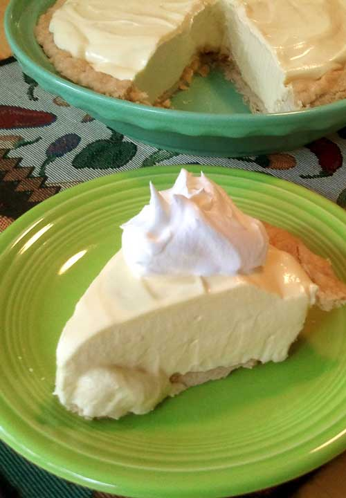4 Ingredient No-Bake Lemon Pie