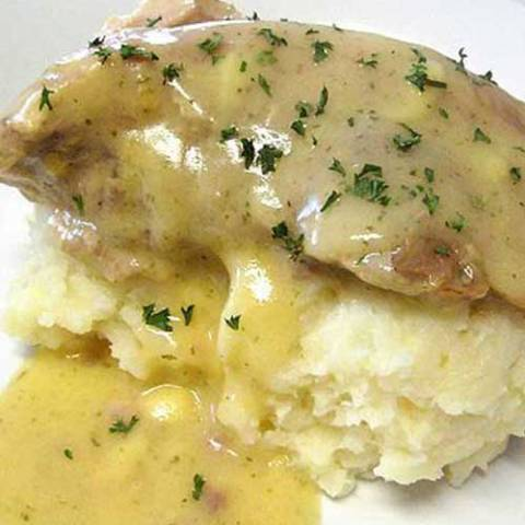The ranch dressing in the gravy and the Parmesan and garlic in the potatoes complemented each other well. Delicious!