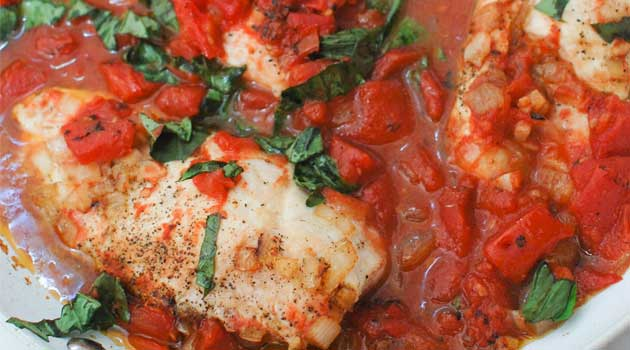 Recipe for Bruschetta Chicken - One pan and 30 minutes is all it takes to turn plain chicken into a flavorful, light and healthy meal!