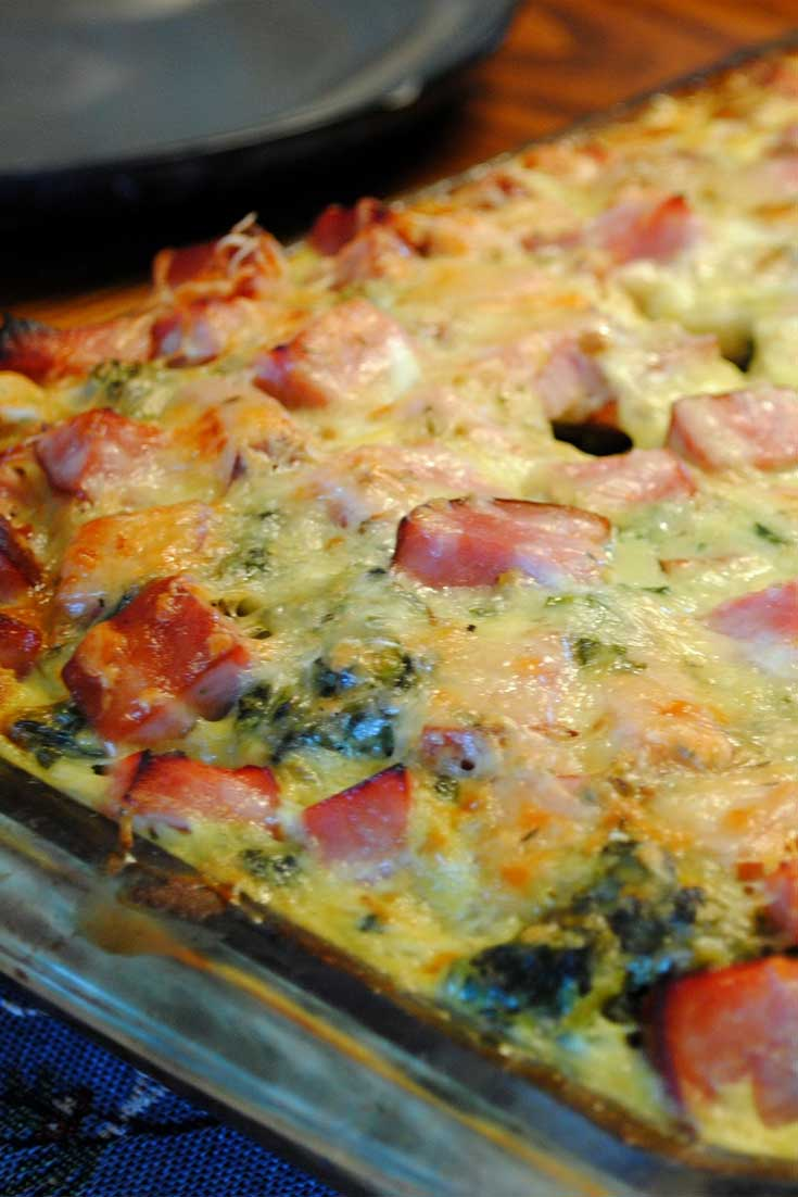 You can actually prep this Ham and Swiss Breakfast Casserole the night before, then just pop it into the oven in the morning. Perfect for any holiday or weekend morning where you don't want to spend a ton of time cooking. #breakfast #casserole