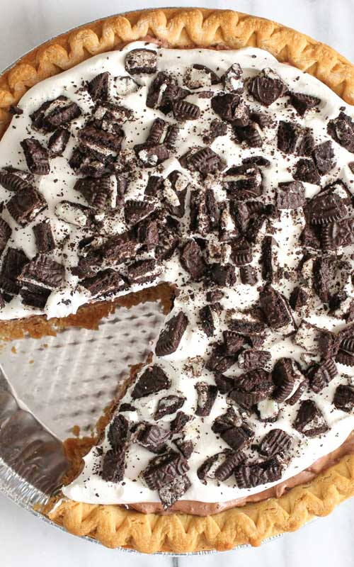This Oreo Cream Pie is a fantastic last minute dessert, and it is so good! It also looks stunning - like you put much more work into it than you did.