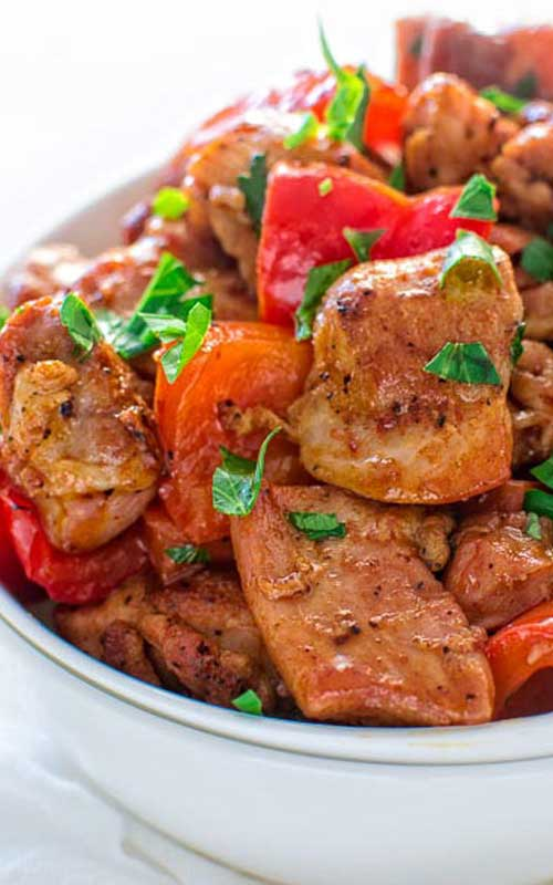 Recipe for Smoky Paprika Chicken - This quick and flavor-filled smoky paprika chicken seared with bell peppers makes a perfect 30-minute dinner!