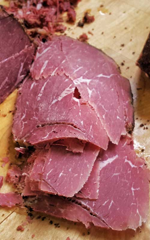 If you want the punch of a spicy, intensely aromatic pastrami, then this homemade pastrami recipe will have you smiling from the first mustard-smeared bite to the last.