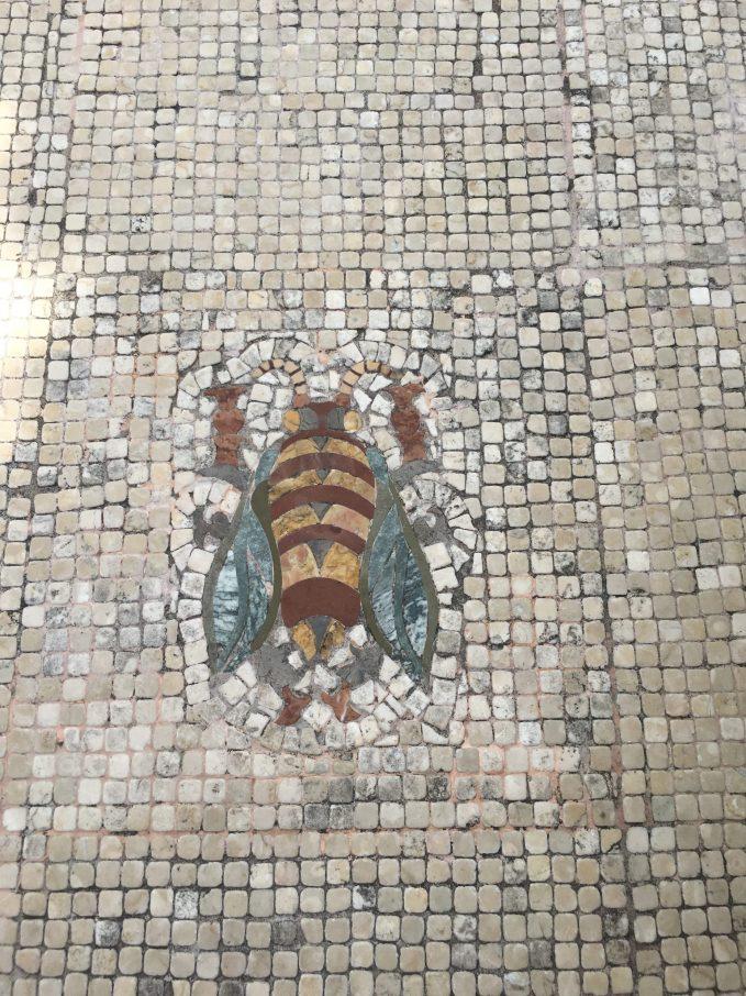 Bee theme in Quartière Coppedé, Rome