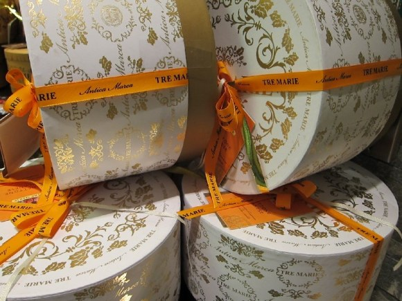 Panettone Christmas packages