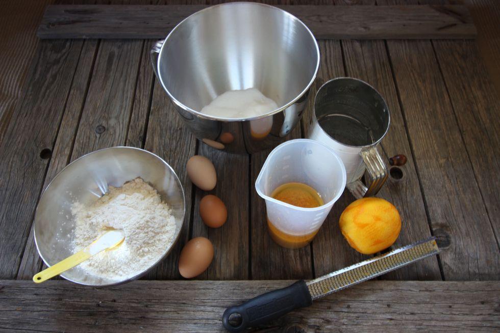 Blueberry Ciambellone Breakfast Poundcake ingredients
