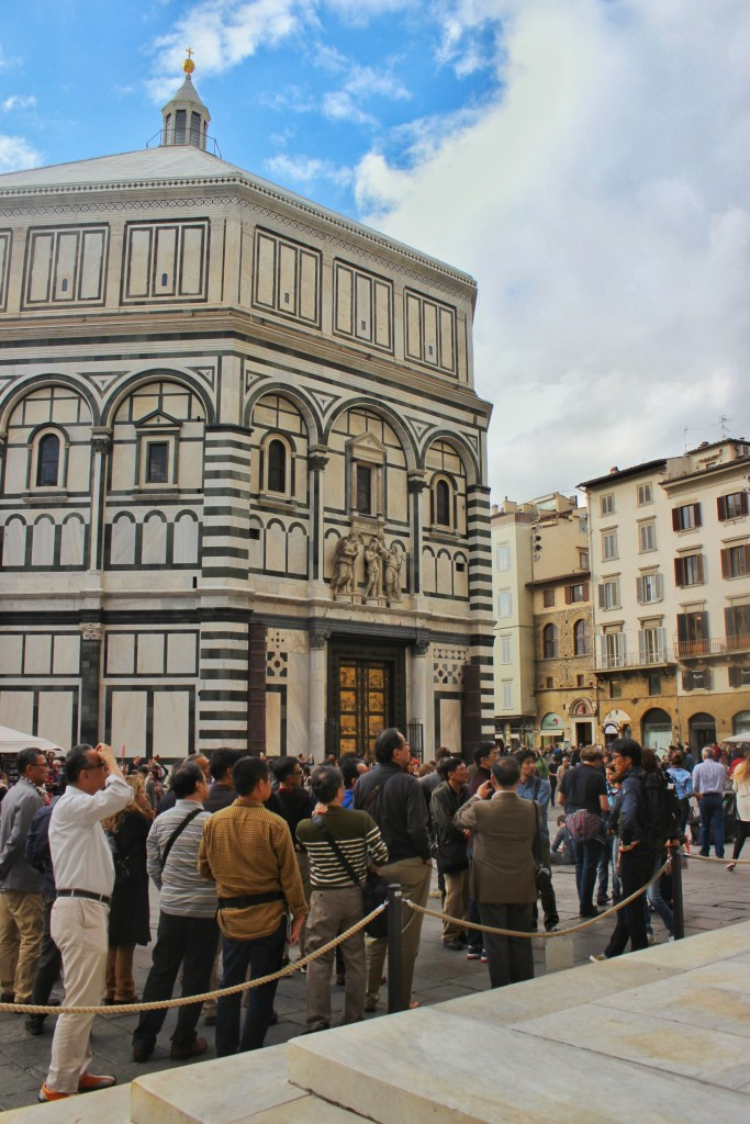 The Duomo area in Florence is always packed, but it's empty in the early morning.