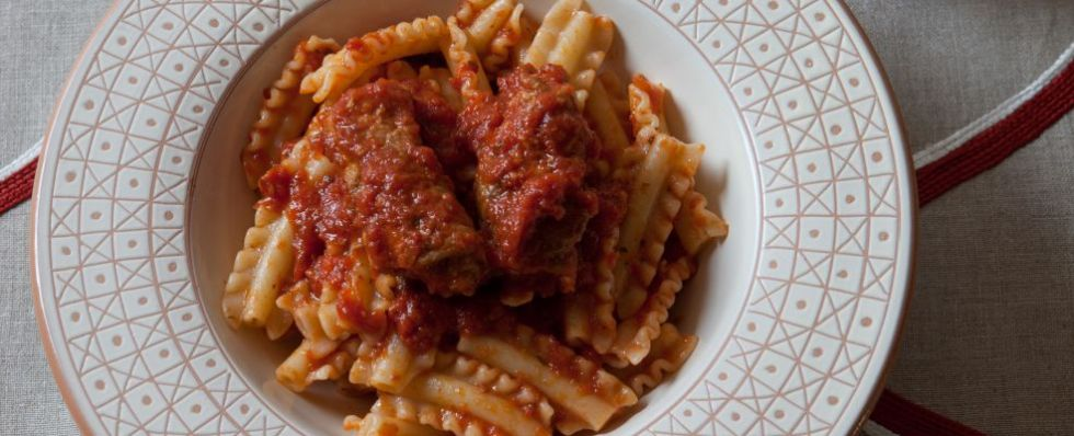 A delicious recipe for ragù molisana, a slow cooked tomato based sauce