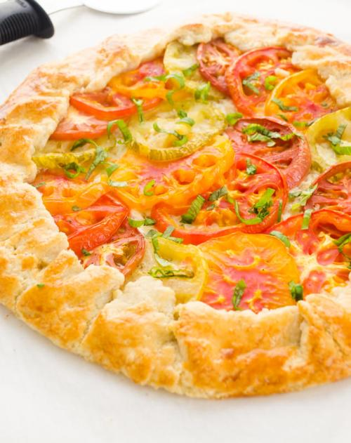 heirloom-tomato-galette-farmers-market-friday3 | flavorthemoments.com