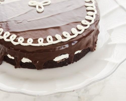 hostess-cupcake-layer-cake3 | flavorthemoments.com