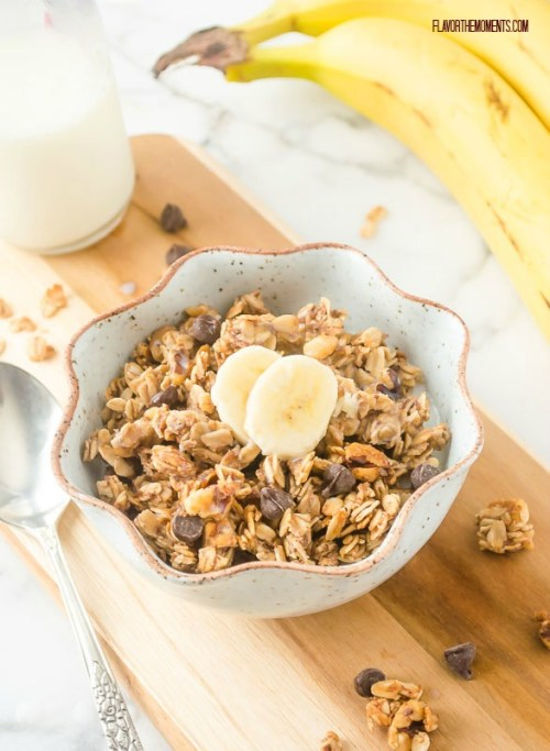 banana-chocolate-chip-granola2 | flavorthemoments.com
