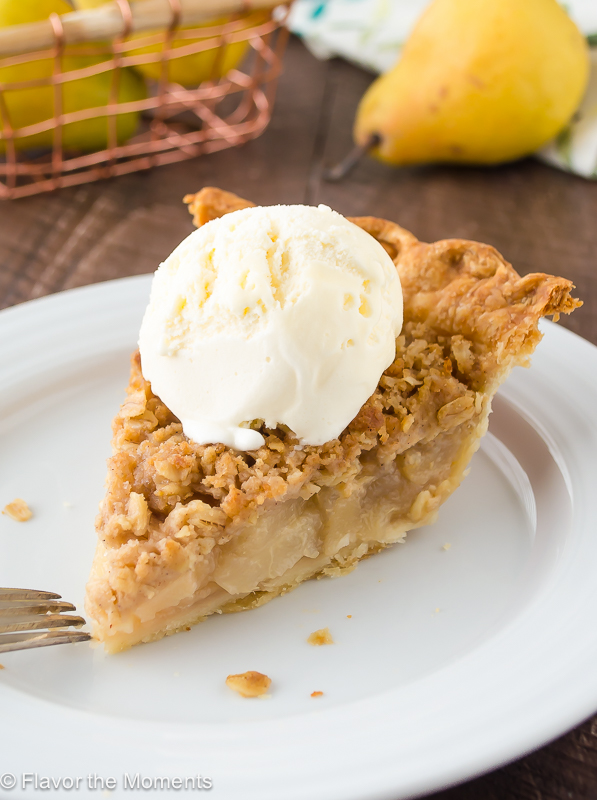 Pear Ginger Crumble Pie | Most Loved Thanksgiving Pies of All Time
