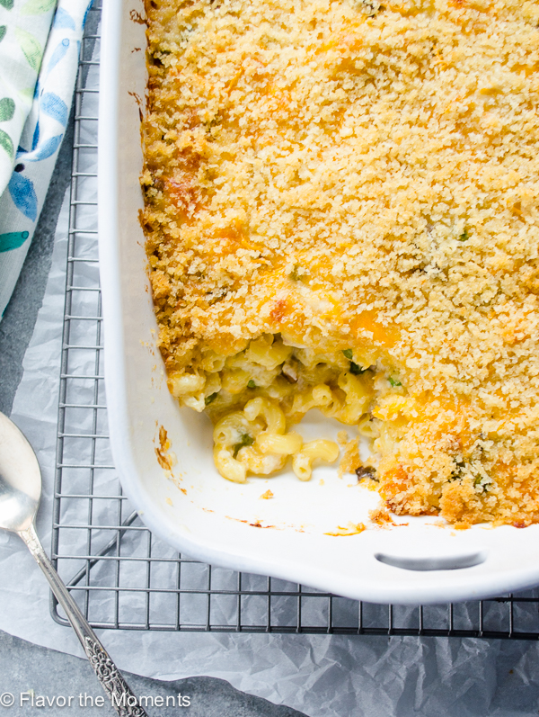 Overnight Creamy Chicken Mac and Cheese Casserole | flavorthemoments.com