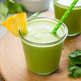 Power Green Pineapple Smoothie is a refreshing blend of pineapple, power greens, and chia seeds for a vegan, energy boosting smoothie that even the kids will love! @FlavortheMoment