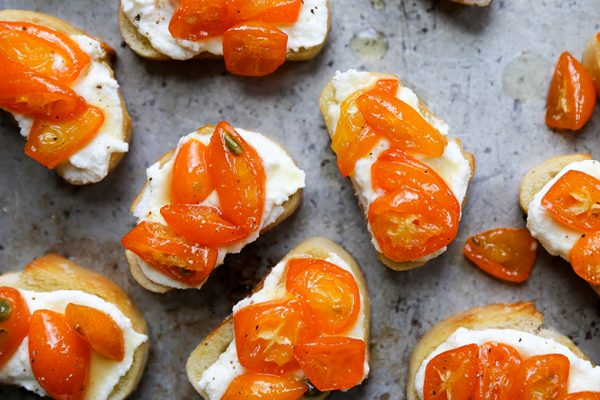 Kumquat-Ricotta-Crostini-2