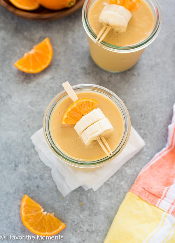 3-Ingredient Orange Cream Smoothie is a simple vegan smoothie that tastes just like an orange julius!