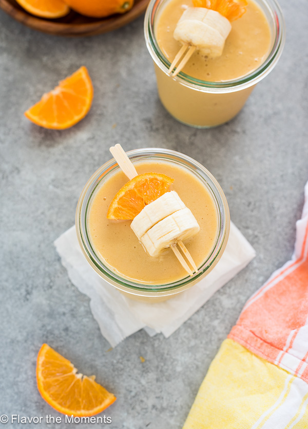 3-Ingredient Orange Cream Smoothie is a simple vegan smoothie that tastes just like an orange julius!