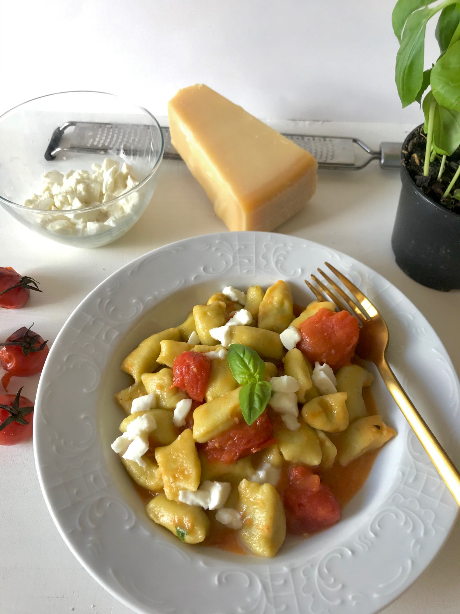 Basil Gnocchi With Oven Tomatoes And Buffalo Mozzarella Flavour Dreams