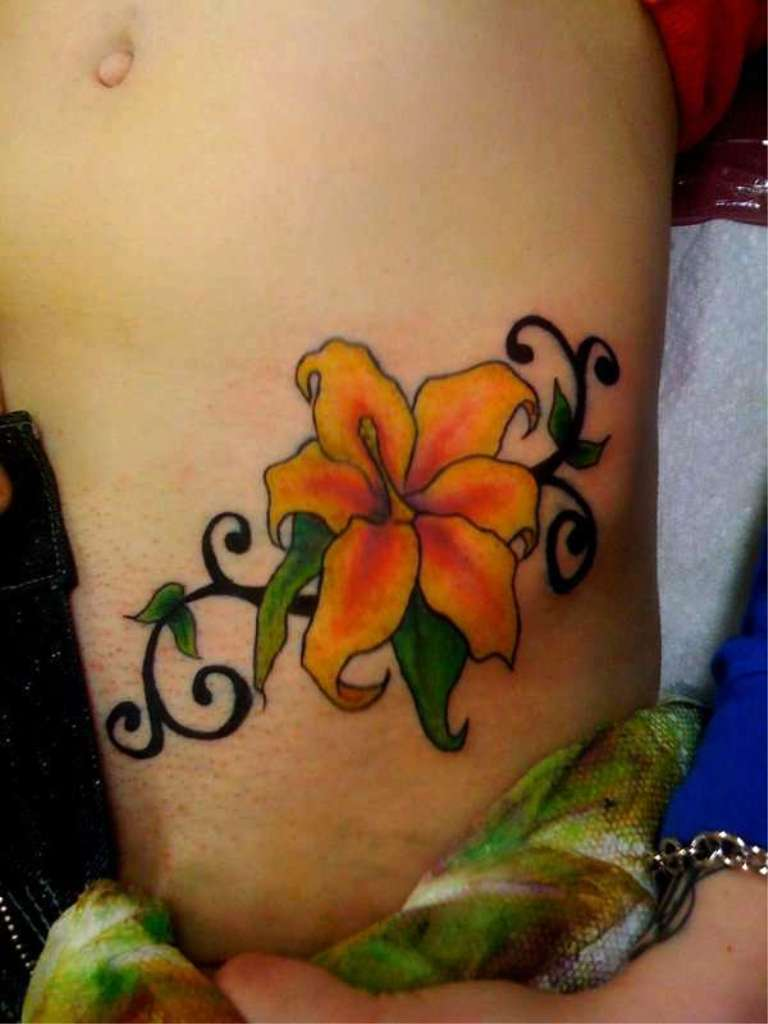 10 Sexy Hip Tattoo Designs For Women  Flawssy