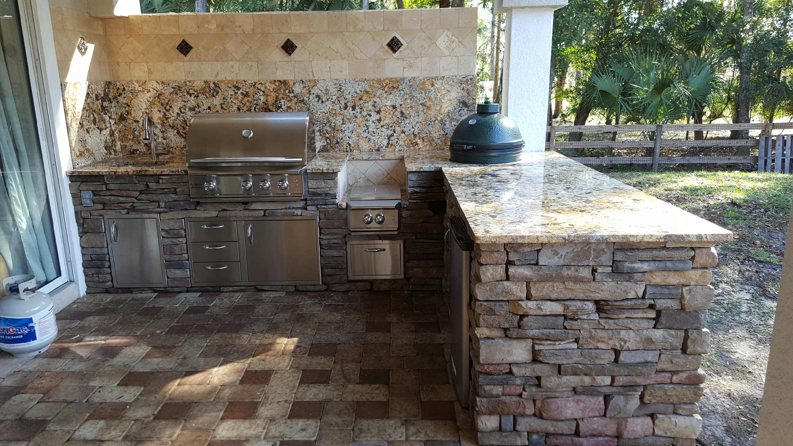Creative Outdoor Kitchens of Florida BackSplash  Creative Outdoor Kitchens of Florida