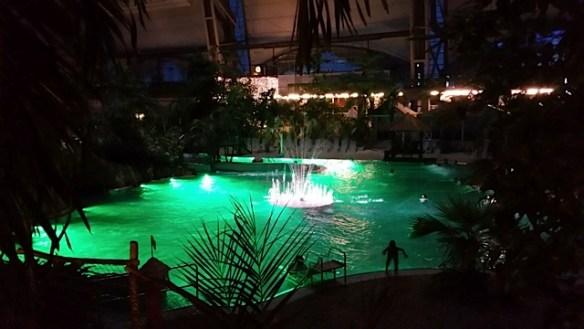Lagune bei Nacht Tropical Island