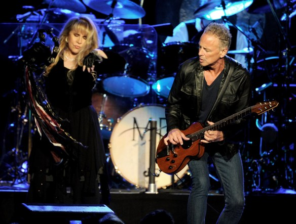 Fleetwood+Mac+Performs+Staples+Center+-7XgGNjkDm_x