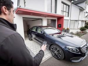 Remote control parking technology on Mercedes-Benz E-Class