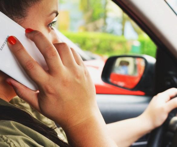 Social media amongst biggest driving threats, finds IAM RoadSmart
