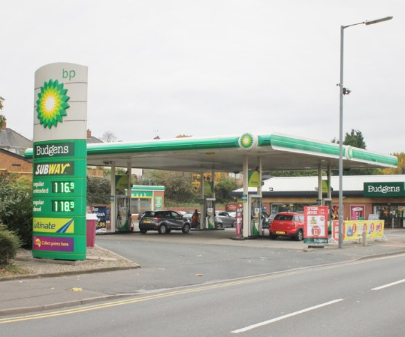 MFG and ChargePoint Services to install 200 rapid forecourt chargers