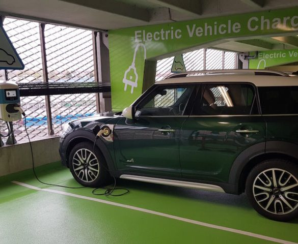 Manchester expands EV chargepoint network