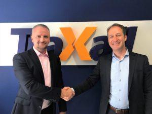 Traxall CEO Ross Jackson (left) welcomes Leomont Wouda International Business Development Director