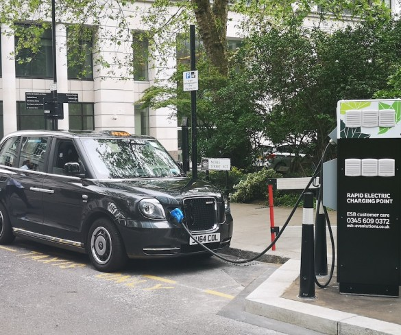 First rapid electric vehicle charging point goes live in Square Mile