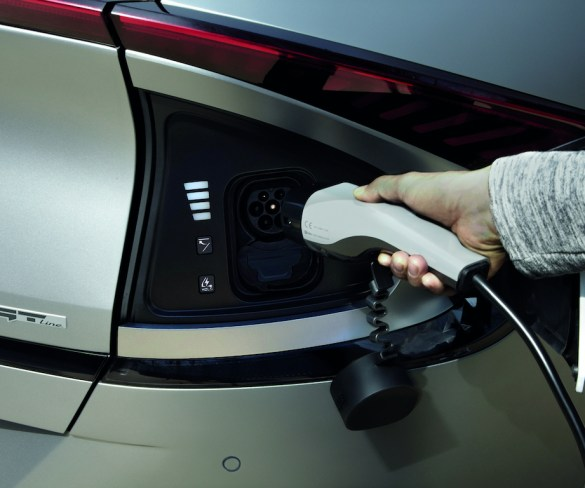 EV chargers to turn off at peak times to protect National Grid