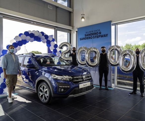 Dacia sells 200,000th car in UK