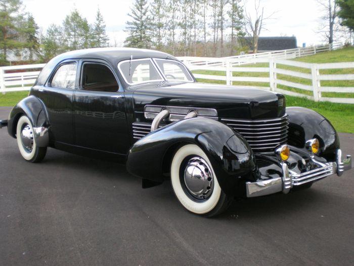 1937-Cord-812