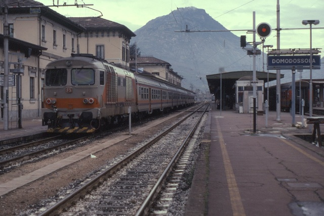 domodossola-train-station